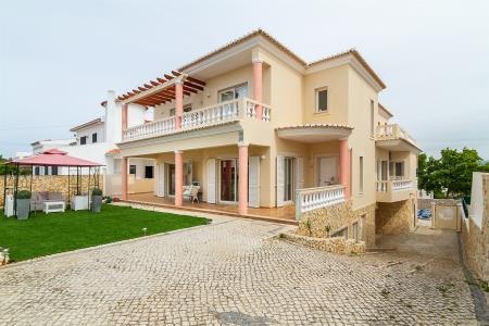 Moradia Isolada, Western - Lagos, Lagos